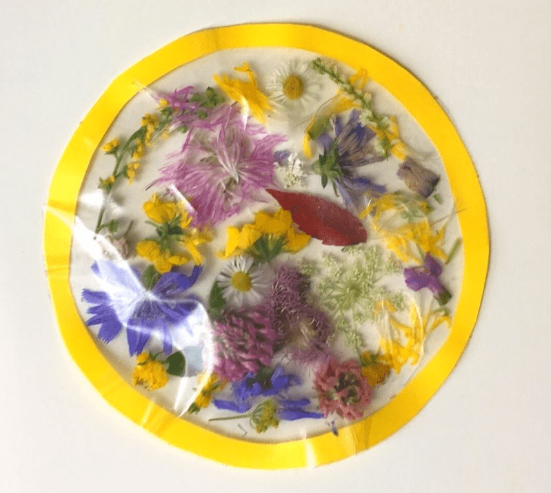 Suncatcher de flores primaverales